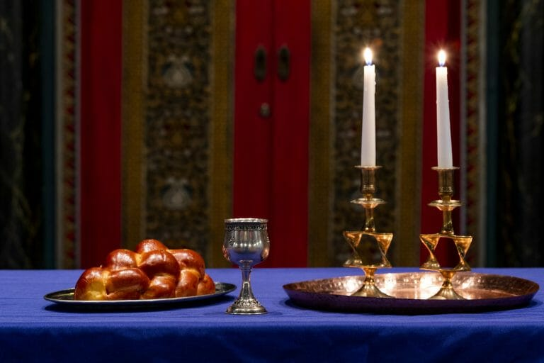 challah bread and candles for shabbat