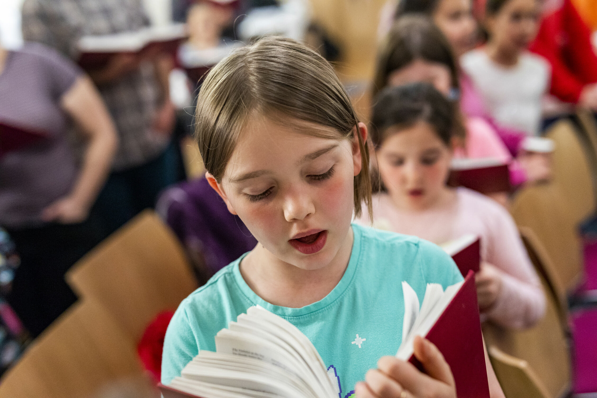 kids reading siddur