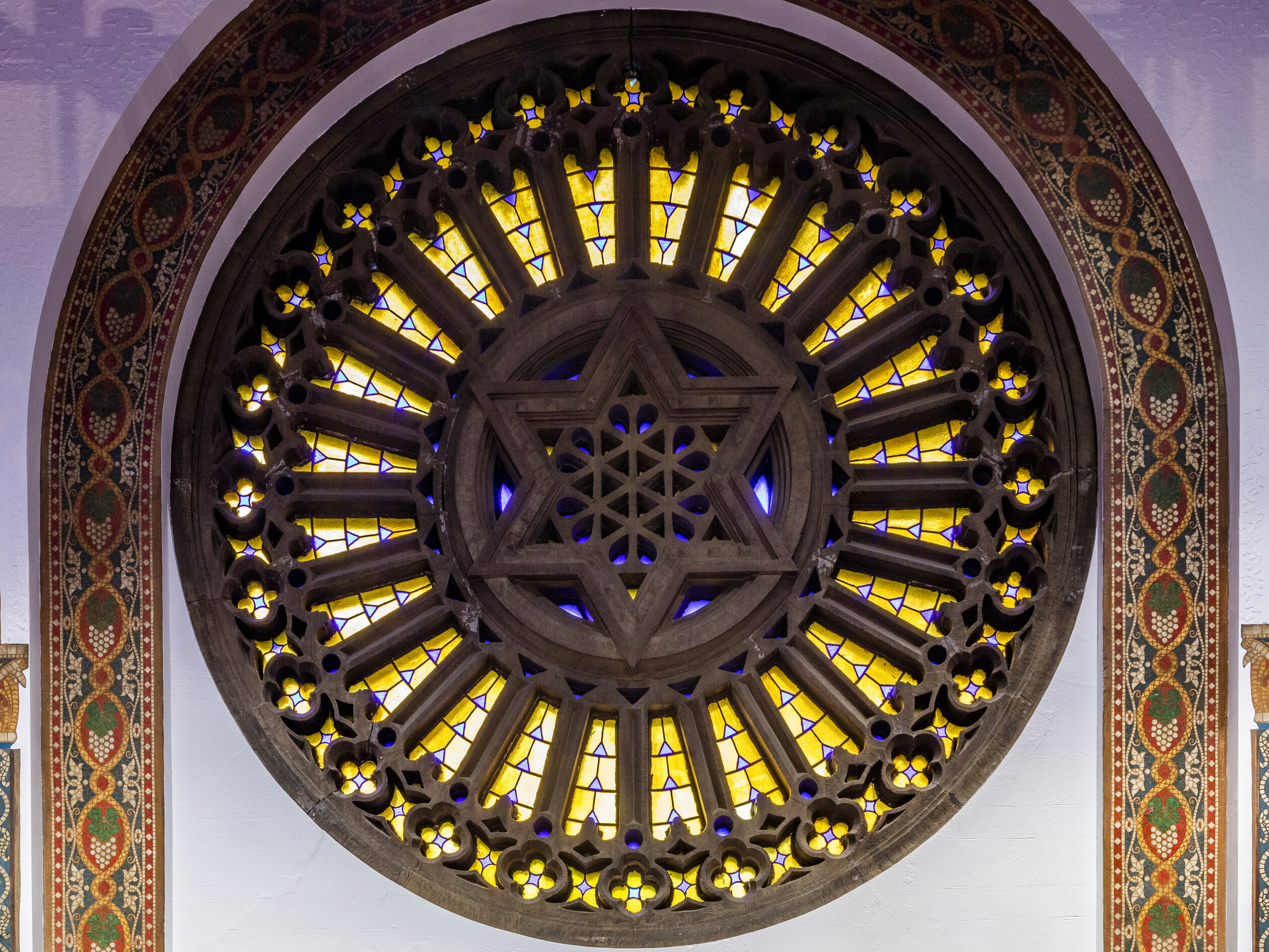 ornate designs at b'nai jeshurun